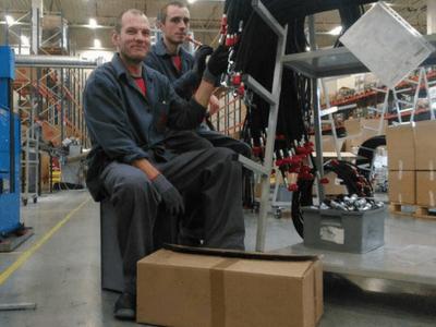 Работа в Польше, Производство гидравлических соединителей.