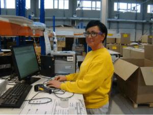 Работник склада галантереи