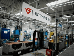 Работа на производстве шлангов, HUTCHINSON 1
